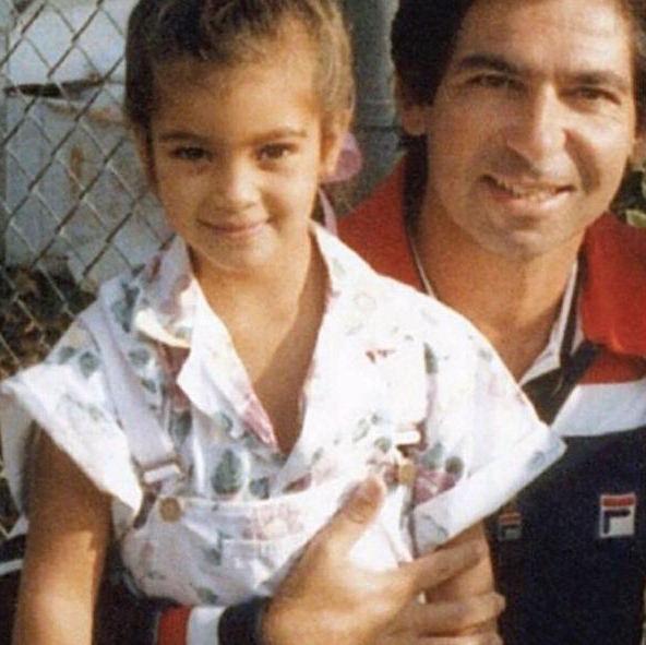 Ким Кардашьян с отцом Робертом Кардашьяном (Фото: @kimkardashian)