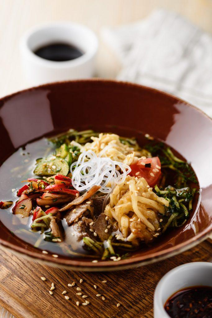 Холодный корейский суп «Кукси» (350 р.)