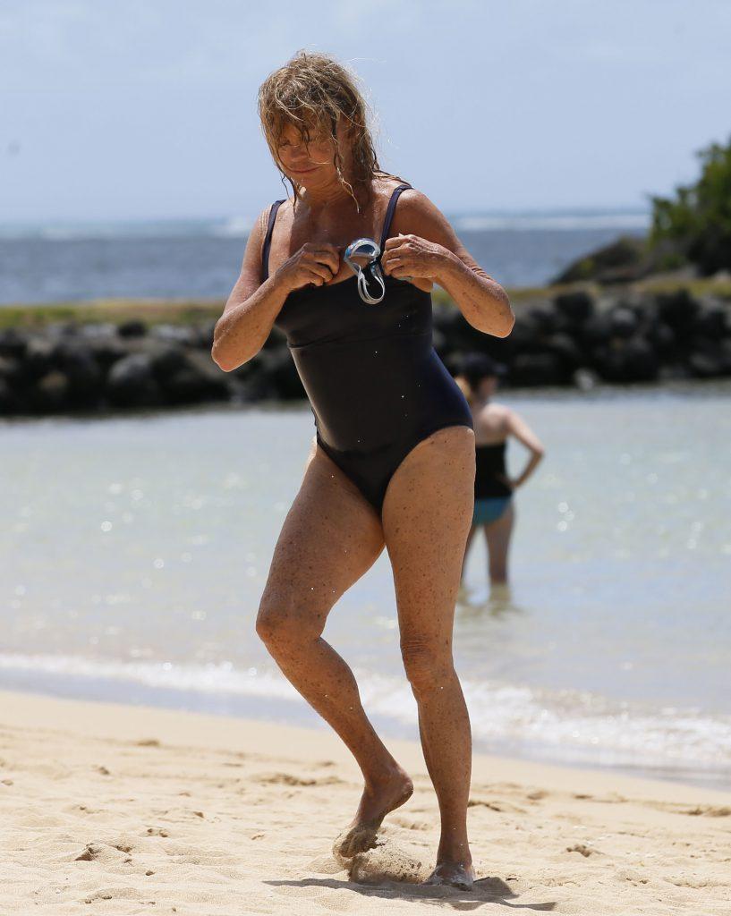Голди Хоун на Гавайских островах в 2016 году