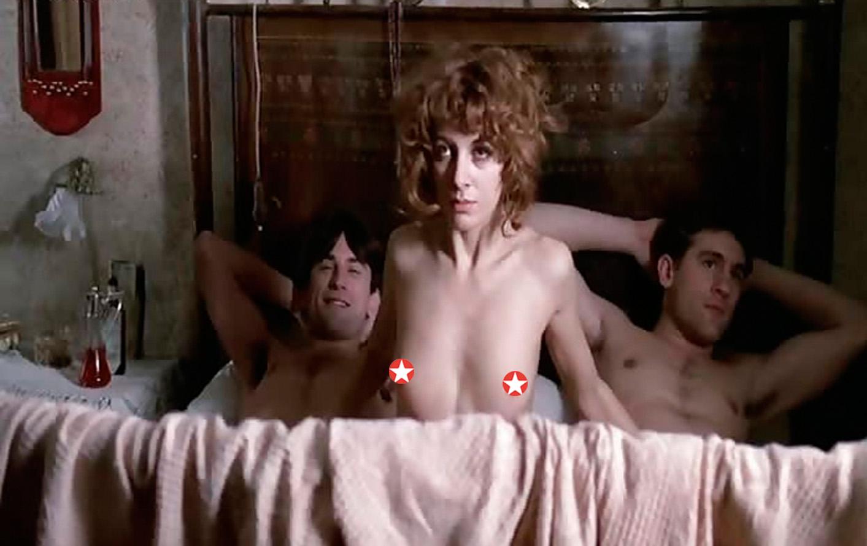 Эротич смотреть эротические сцены в отечественных фильмах как ебут спящих