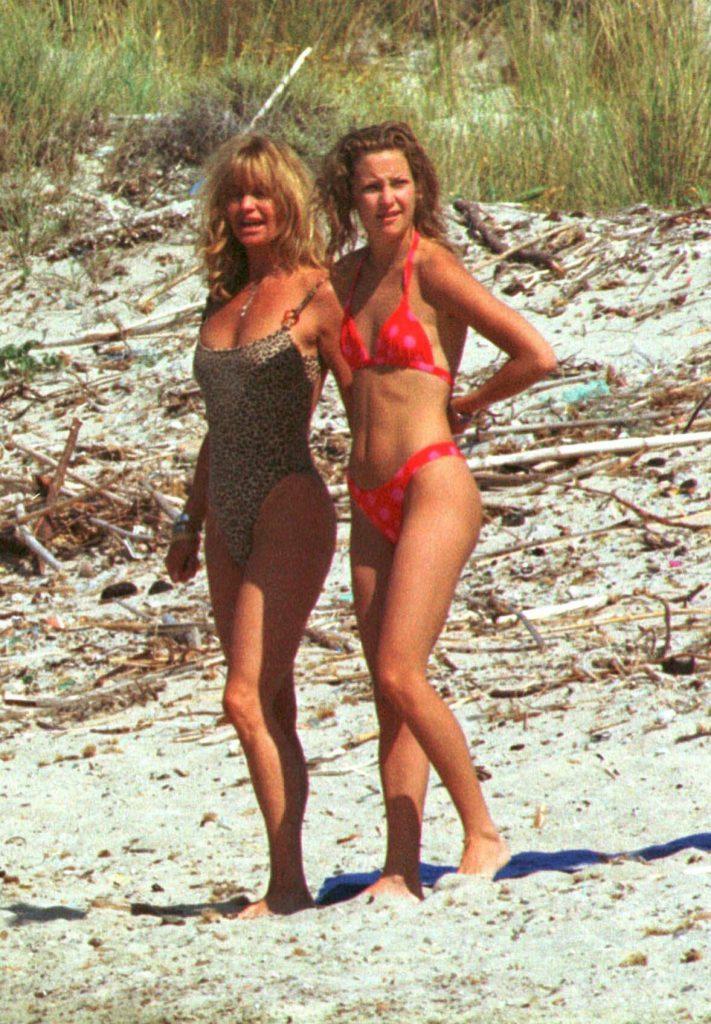 Голди Хоун и Кейт Хадсон в Италии в 2000 году