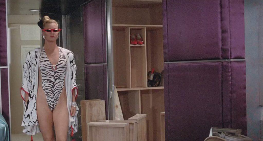 Голди Хоун в фильме «За бортом» в 1987 году