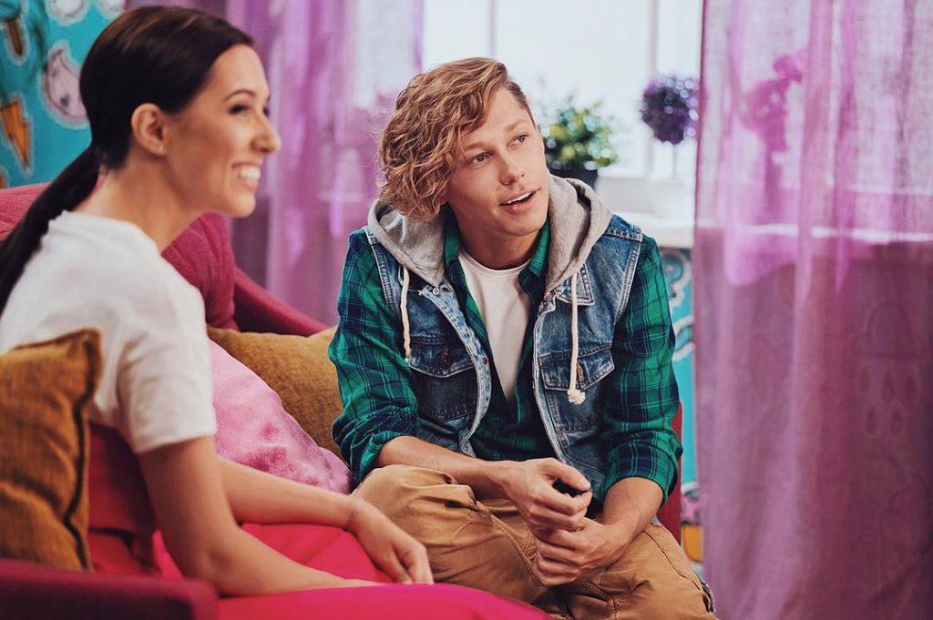 Дима Бикбаев давал интервью Кате Клэпп на телекнаале Disney