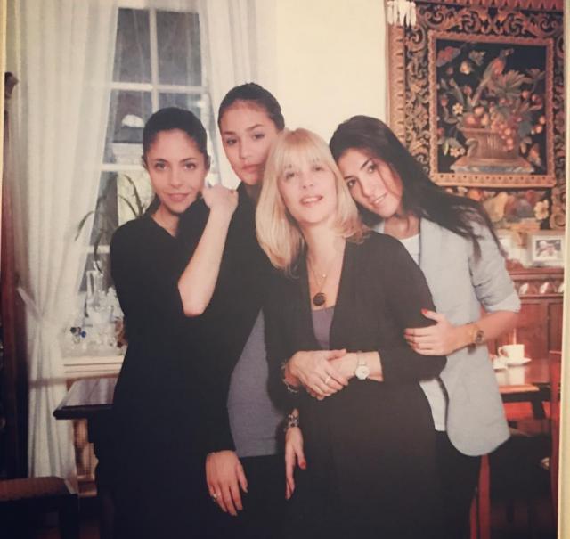 Вера Глагольева с дочерьми