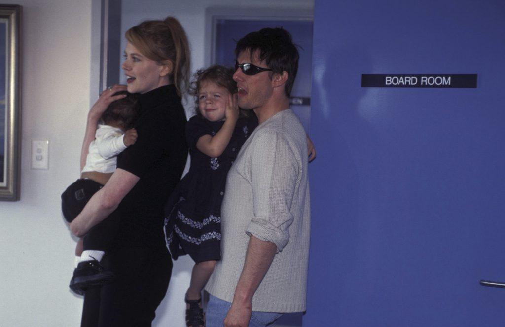 Николь Кидман и Том Круз с детьми Изабеллой и Коннором, 2000 год