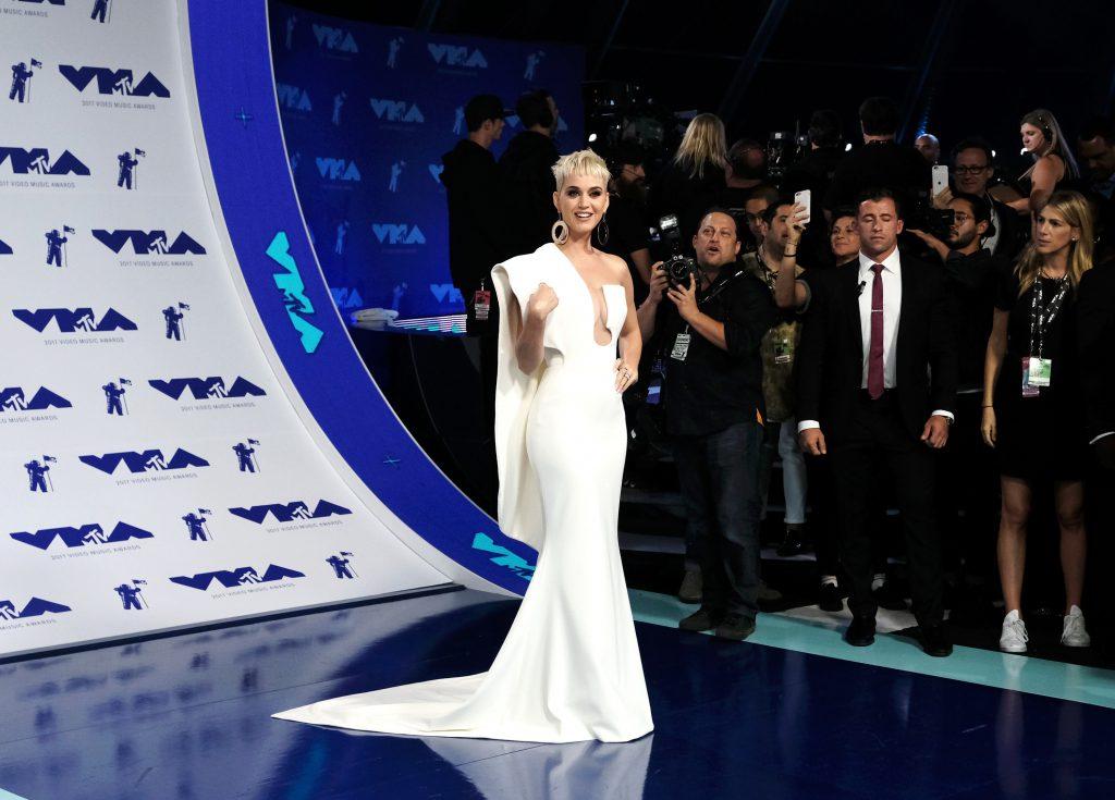Кэти Перри в платье Stephane Rolland