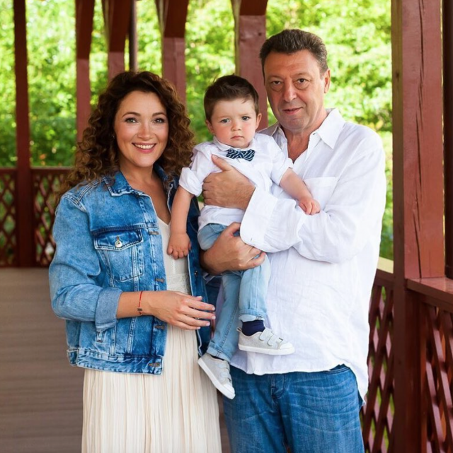 Екатерина Шемякина с мужем и сыном