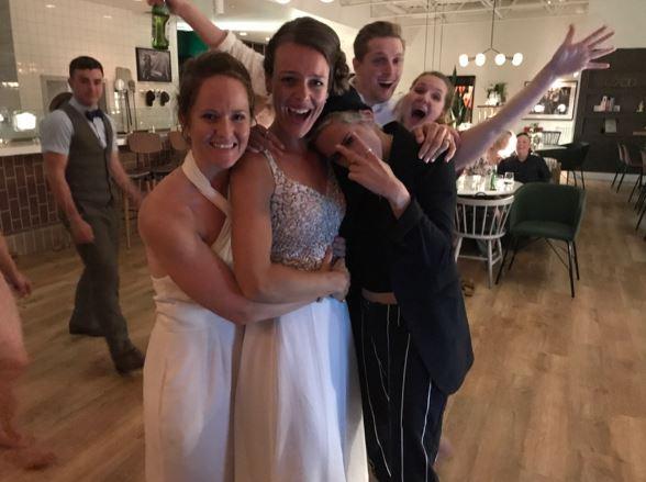 Кристен Стюарт на свадьбе