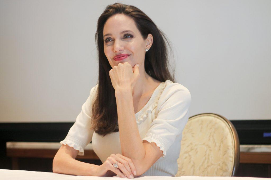 Анджелина Джоли на пресс-конференции в Беверли-Хиллз