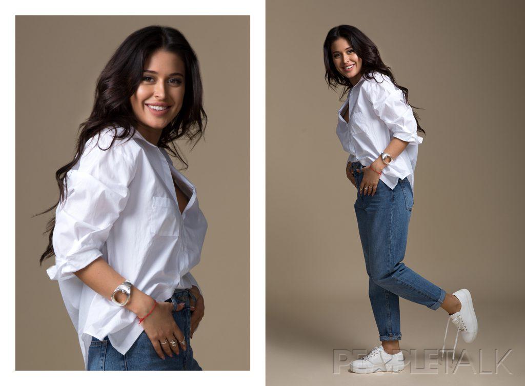 Рубашка, Zara; джинсы и кеды, Topshop; украшения, Aloha Gaia