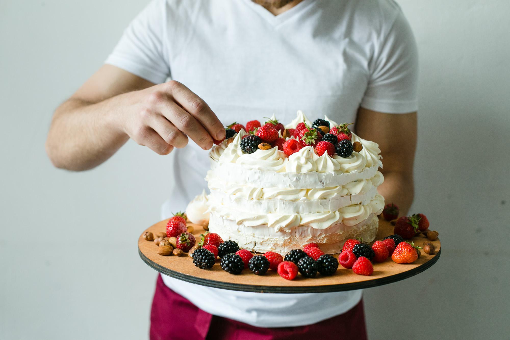 Карамельная ваза на торт