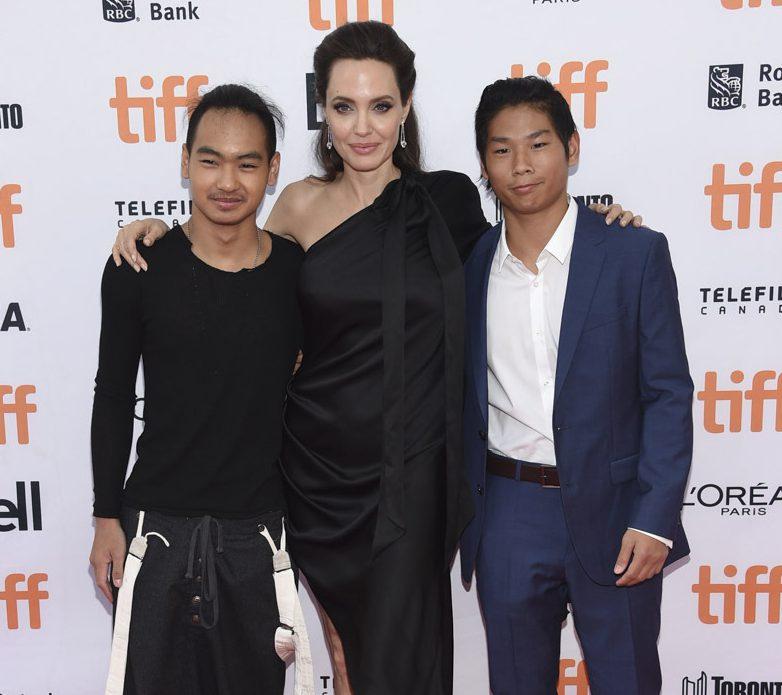 Мы не ожидали! Сын Анджелины Джоли и Брэда Питта Мэддокс рассказал об отношениях с отцом