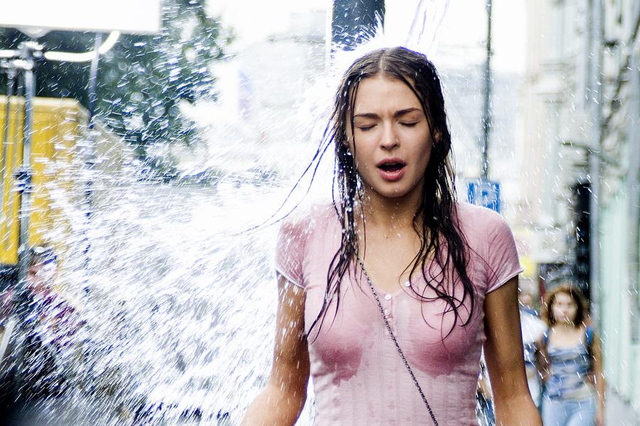Кадр из фильма «Жара» (2006)