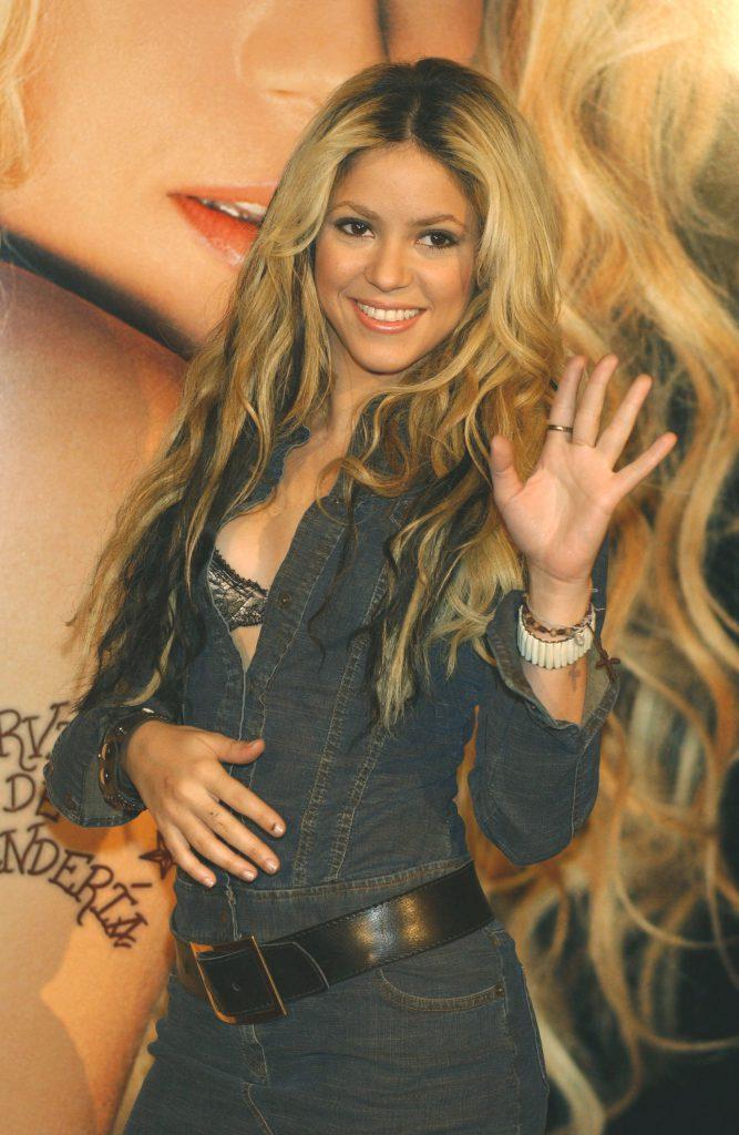 Шакира (2002)