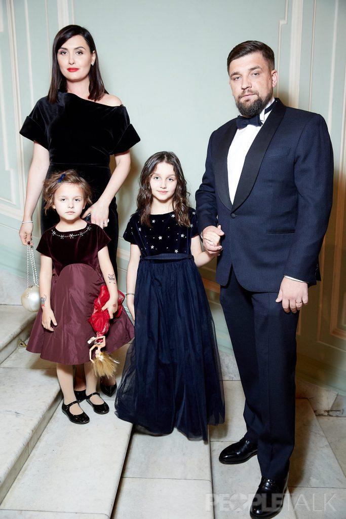 Василий Вакуленко с семьей