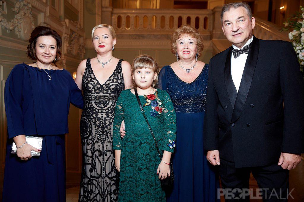 Наталья и Ирина Третьяк, Маша Емшанова, Наталья и Владислав Третьяк
