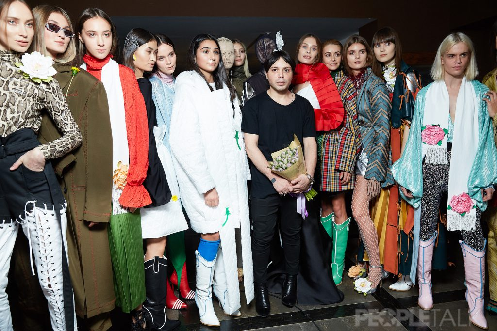 Александр Арутюнов с моделями