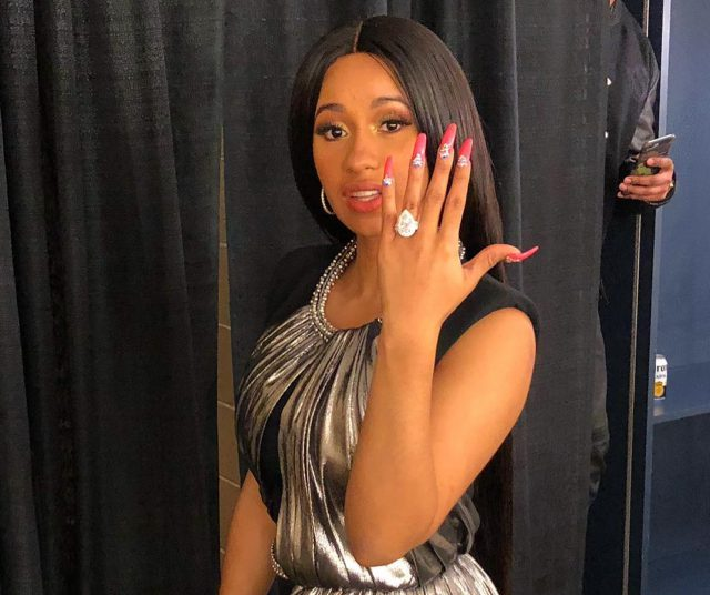 Сделал предложение: рэпер Offset. Сказала «Да»: хип-хоп исполнительница Cardi B. Кольцо: Pristine Jewelers. Цена: $550 тыс.