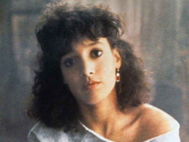 Актриса Дженнифер Билс, 1983. Потому что сногсшибательно танцевала в фильме «Танец-вспышка»