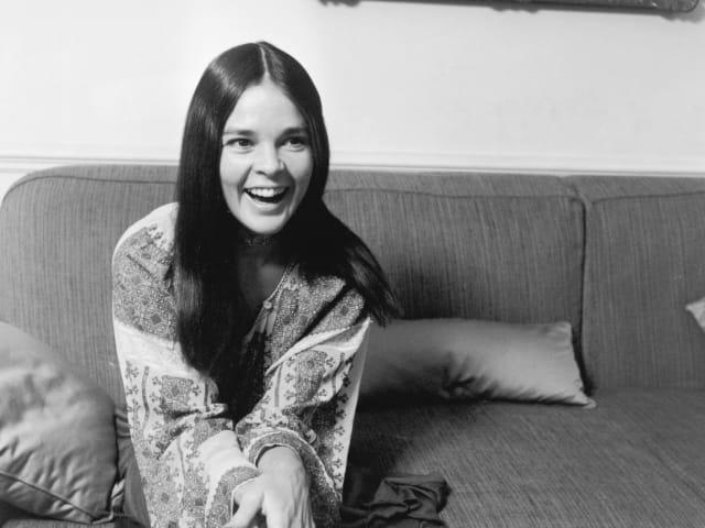 Актриса Эли Макгроу, 1970. Потому что стала успешной моделью, актрисой и активисткой, а потом вышла замуж за Стива Маккуина
