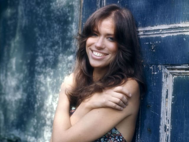 Певица Карли Саймон, 1972. Потому что сама писала свои песни и исполняла их своим магическим голосом