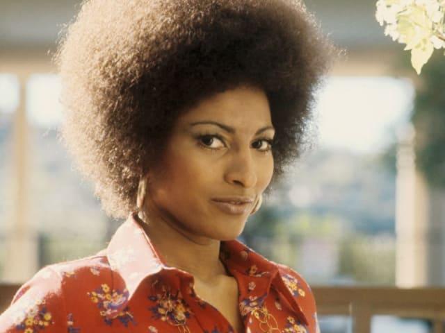 Актриса Пэм Гриер, 1974. Потому что всегда была очень стильной и талантливой