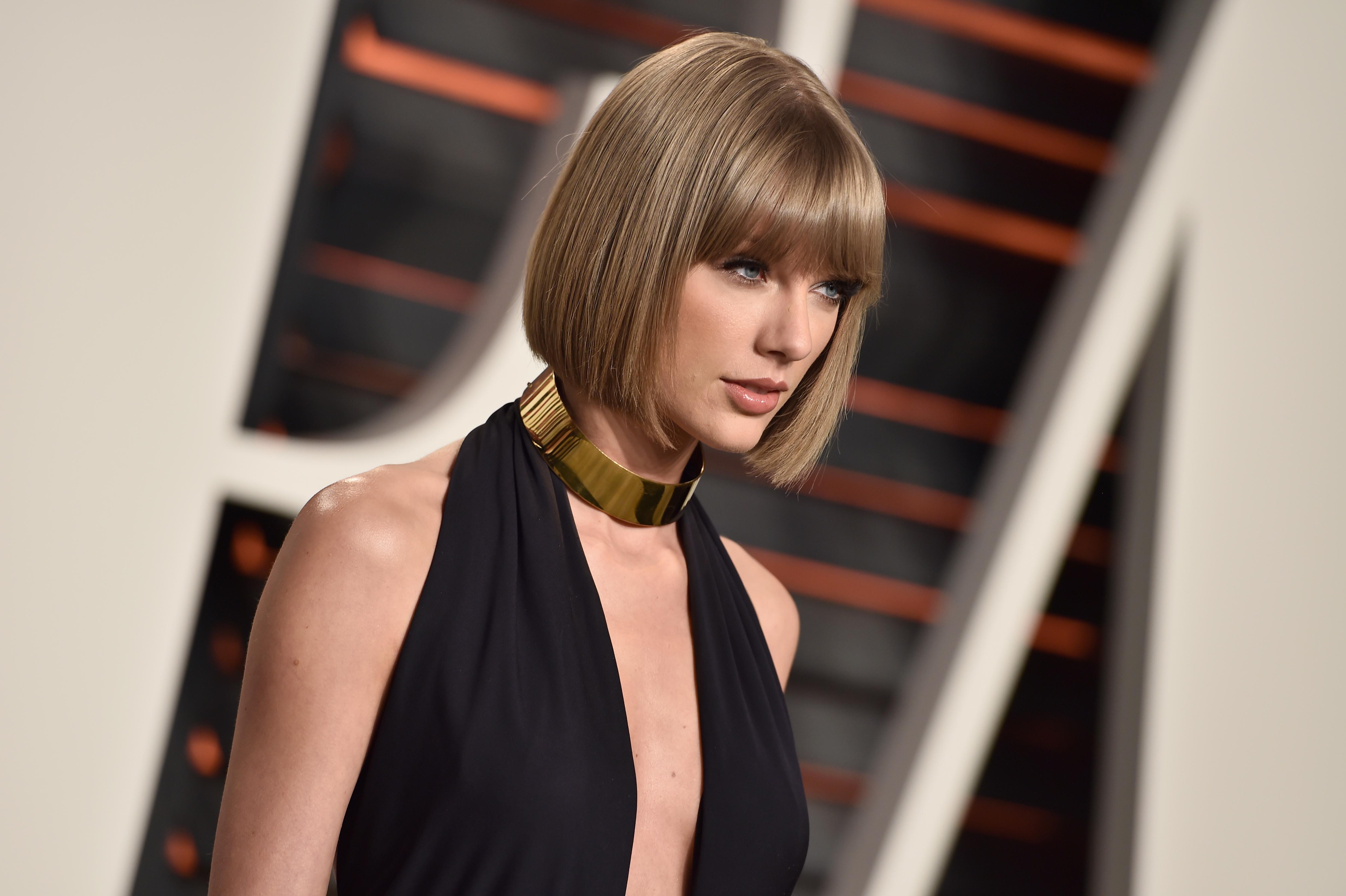 В день рождения Тейлор Свифт: кому из бывших звезда посвятила песню?
