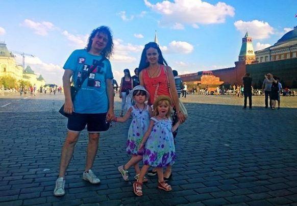 Наташа Мильниченко с мужем (продюсером Сергеем Мильниченко) и детьми