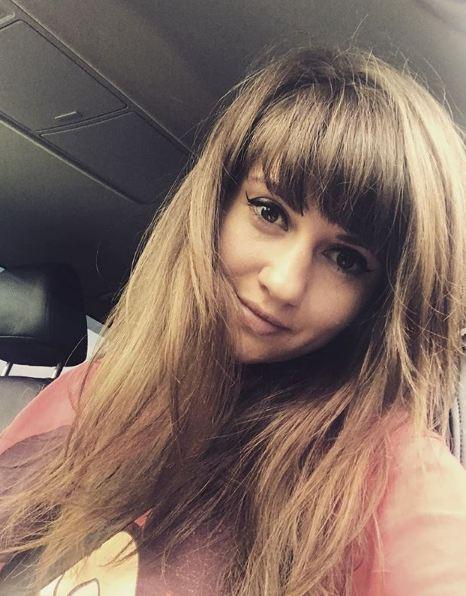 Анна Руднева (27). Занимается сольной карьерой. Замужем (второй брак), воспитывает двоих детей.