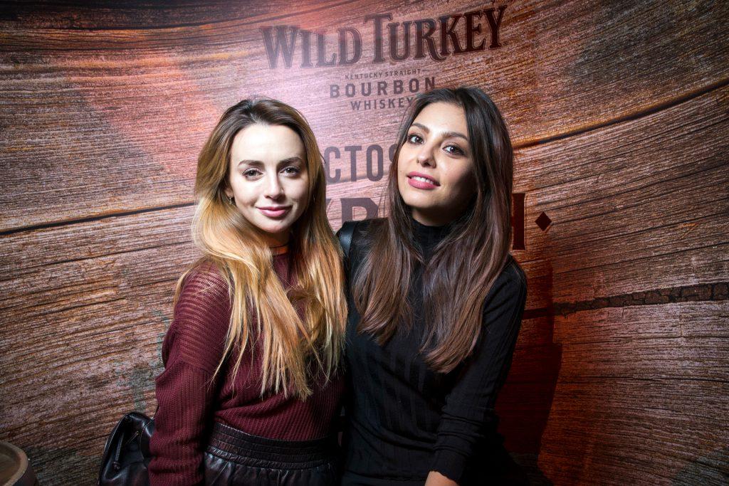 Анжелика Каширина с подругой