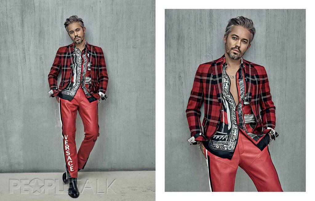 Рубашка, пиджак, брюки Versace, ботинки Vagabond