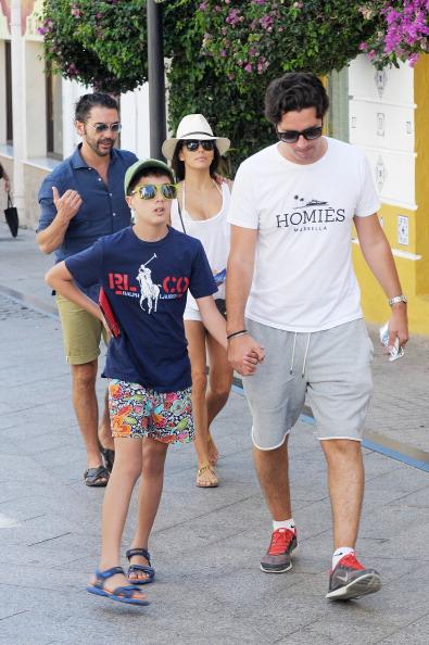 Хосе с сыном и Евой на отдыхе в Испании
