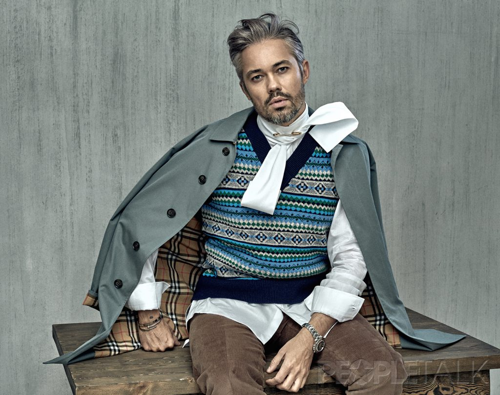 Рубашка, жилет, френч Burberry; брюки Pal Zileri (ТЦ «Петровский Пассаж»)