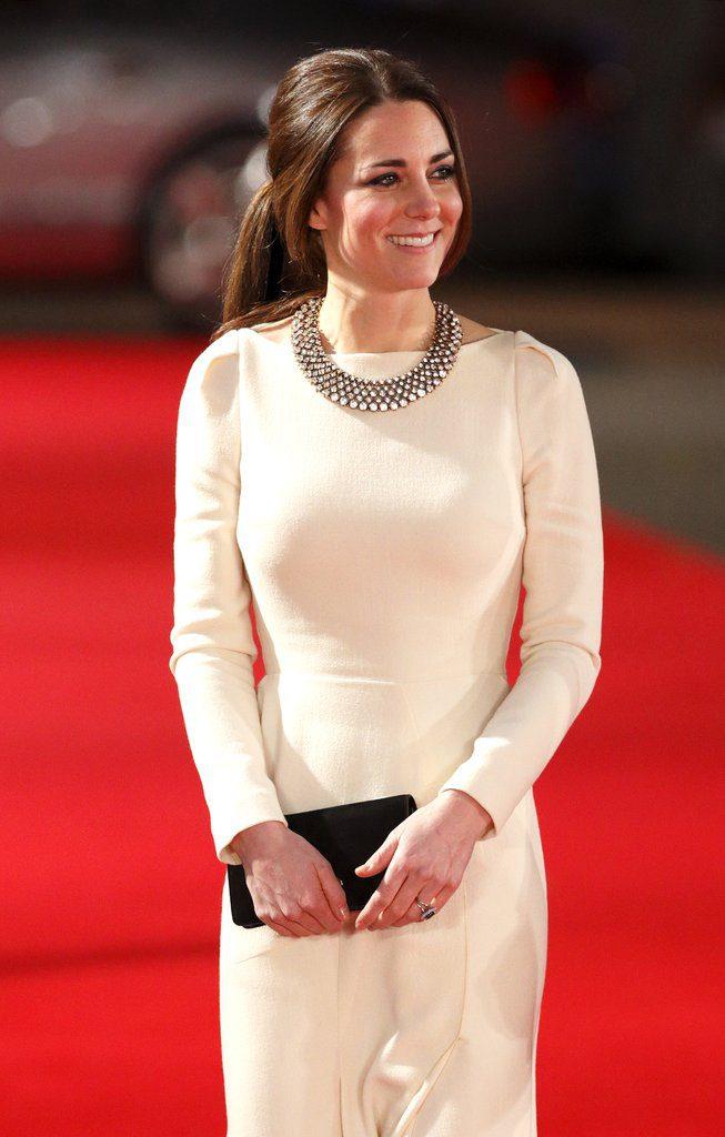 Кейт Миддлтон в ожерелье Zara