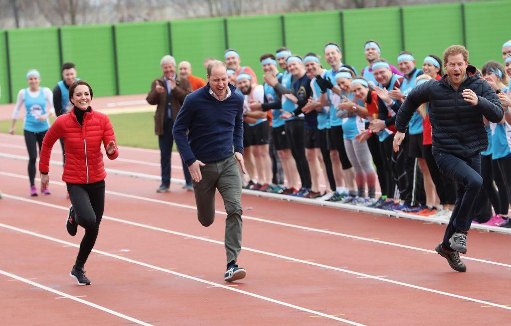 Кейт Миддлтон, принц Уильям и принц Гарри бегут марафон, февраль