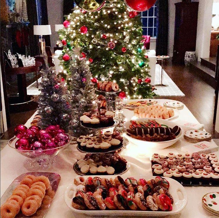 Рождественский стол Рейчел Зои
