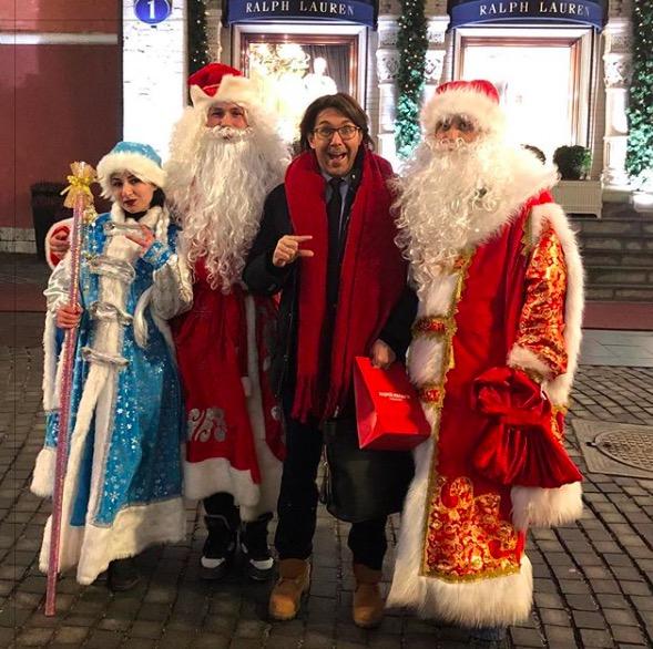 Андрей Малахов и сразу два Деда Мороза