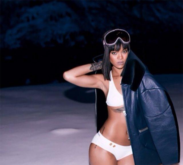 snow-bikini-08