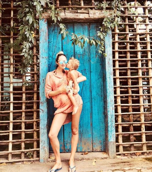 Кэндис с сыном Анакой