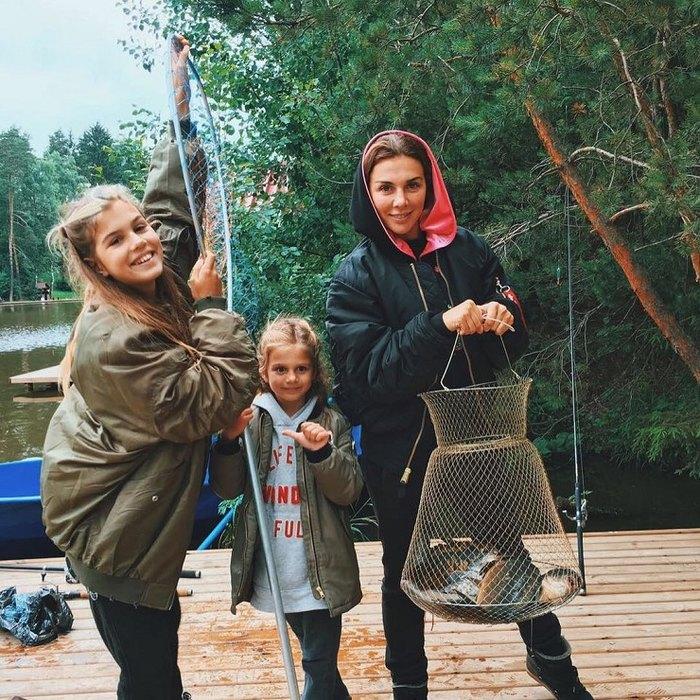 @annasedokova: Алина, Моника и Анна