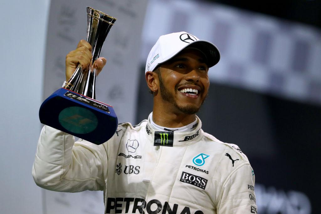 Новости: звезда Формулы-1 Льюис Хэмилтон заключил новый контракт
