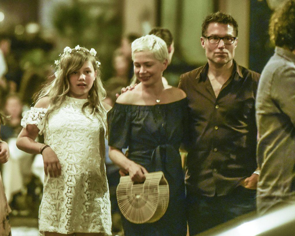 Матильда Леджер, Мишель Уильямс и Джонатан Сафран Фоер (Фото: legion-media.ru)