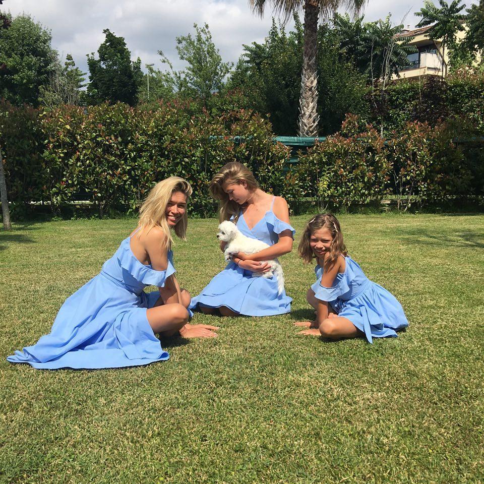 Вера Брежнева с дочками Соней и Сарой