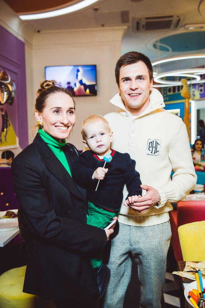 Анастасия Винокур и Григорий Матвеевичев с сыном
