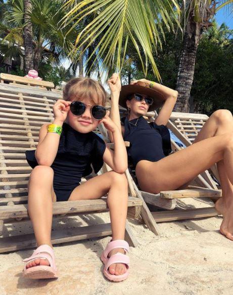 Лена Перминова с дочкой Ариной