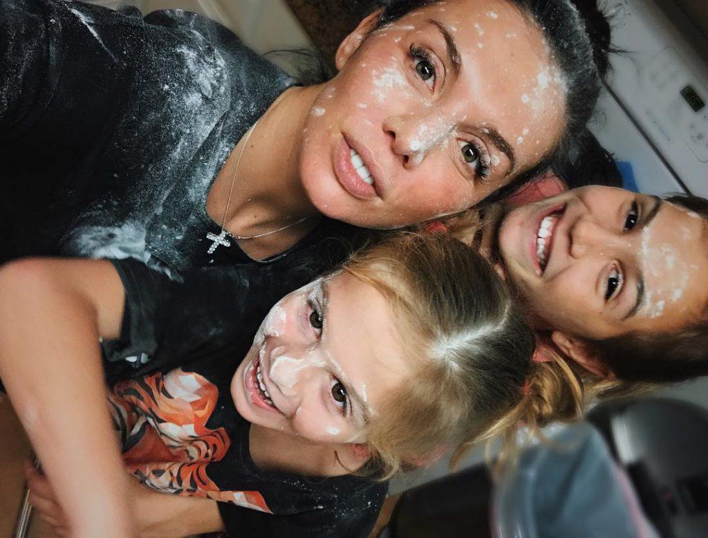 Анна с Алиной и Моникой