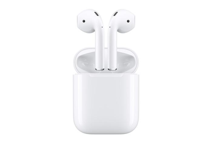 Apple AirPods, 11990 руб.
