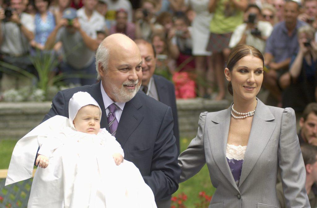 Селин Дион и Рене Анжелил с сыном Рене-Шарлем в 2001 году