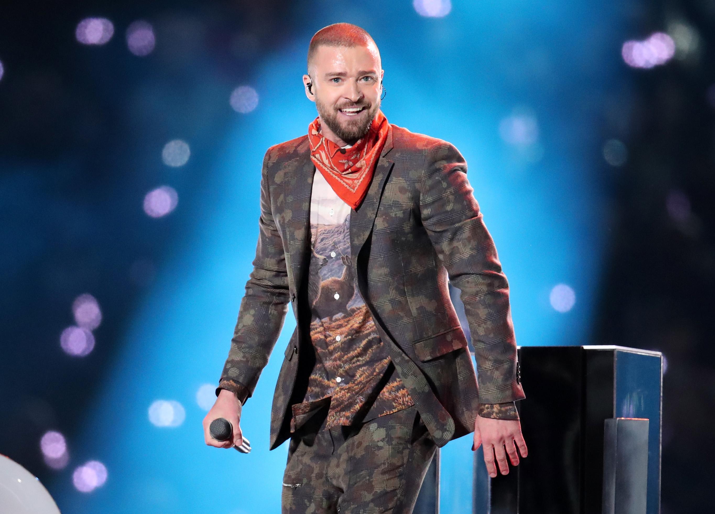 Модная одежда известных певцов и спортсменов