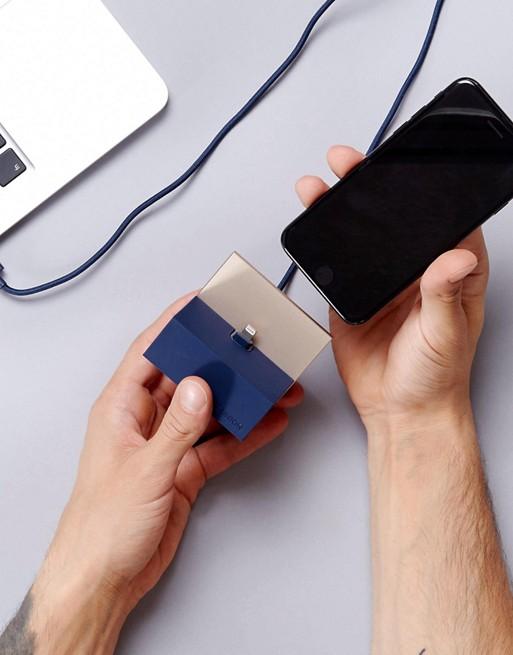 Зарядное устройство для iPhone от Native Union Premium, 4090 руб.